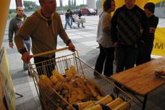 Coraz więcej darów dla powodzian z małopolskiej gminy Szczurowa