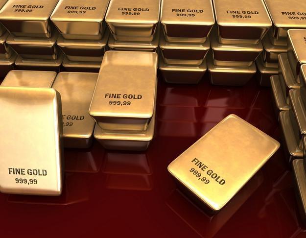 Coraz więcej inwestorów zastanawia się nad tym, by zainwestować złoto /© Panthermedia