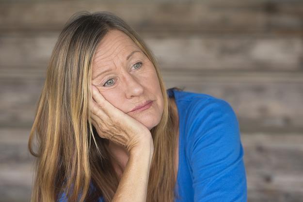 Coraz więcej kobiet pada ofiarami oszustów internetowych /©123RF/PICSEL