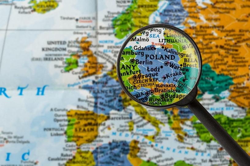 Coraz więcej obcokrajowców bezbłędnie lokalizuje nasz kraj na mapie /123RF/PICSEL