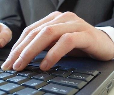 Coraz więcej oszustw w internecie