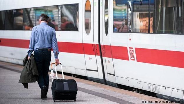 Coraz więcej pasażerów niemieckich kolei jest świadomych swych praw i korzysta z odszkodowań /Deutsche Welle