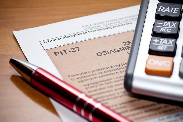 Coraz więcej Polaków przekazuje ze swojego podatku 1 proc. na rzecz organizacji pożytku publicznego /©123RF/PICSEL
