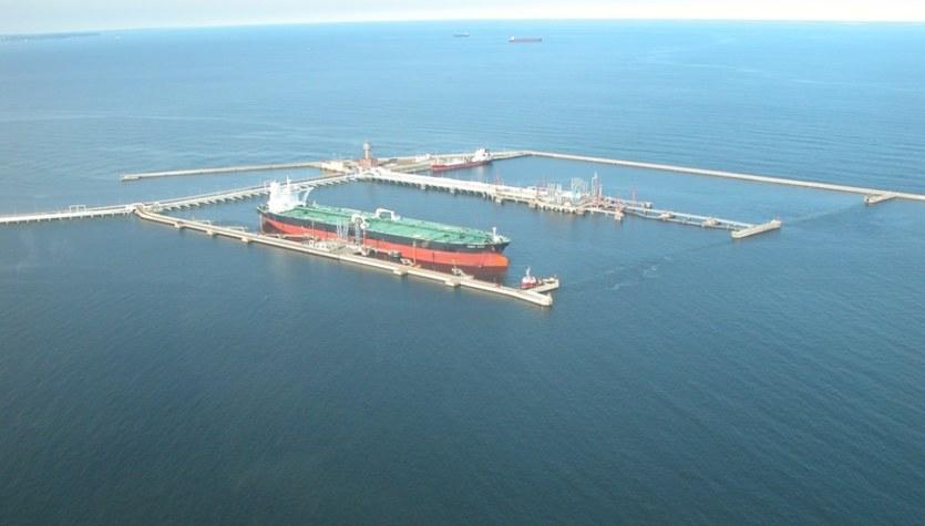 Coraz więcej ropy płynie do Polski morzem