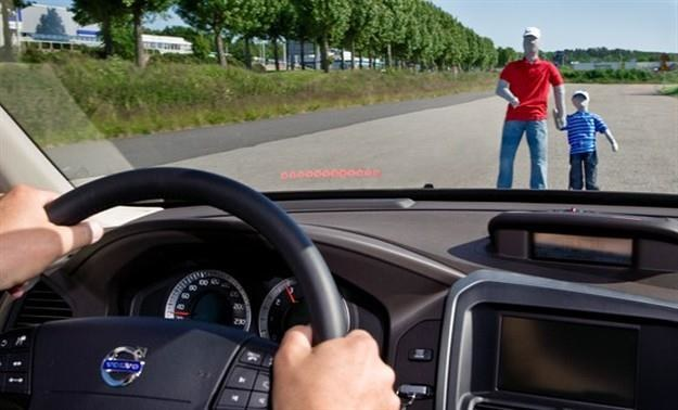 Coraz więcej samochodów jest wyposażonych w systemy hamowania /