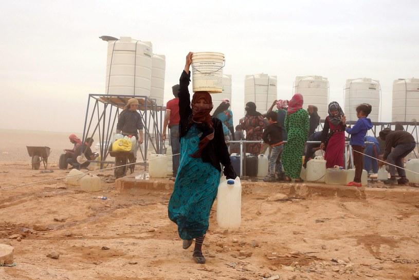Coraz więcej Syryjczyków przybywa na granicę z Jordanią /JAMAL NASRALLAH /PAP/EPA