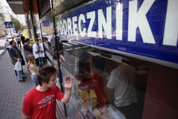 Coraz większym zagrożeniem dla rynku wydawniczego, staje się internet, fot. Bartosz Krupa /Agencja SE/East News