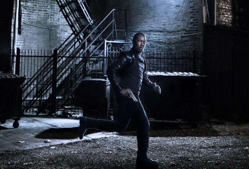 """Corey Hawkins jako Eric Carter w serialu """"24: Dziedzictwo"""". /FOX"""