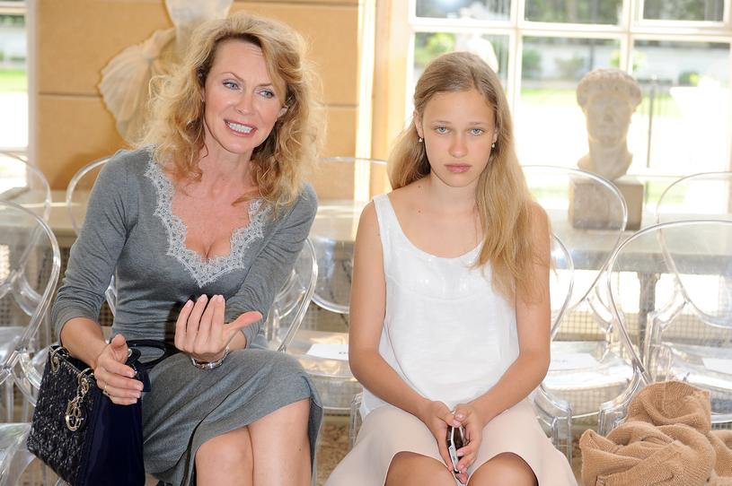 """Córka Helena Englert w tym roku skończyła 18 lat. Zagrała m.in. w """"Barwach szczęścia i """"Diagnozie"""" /East News"""