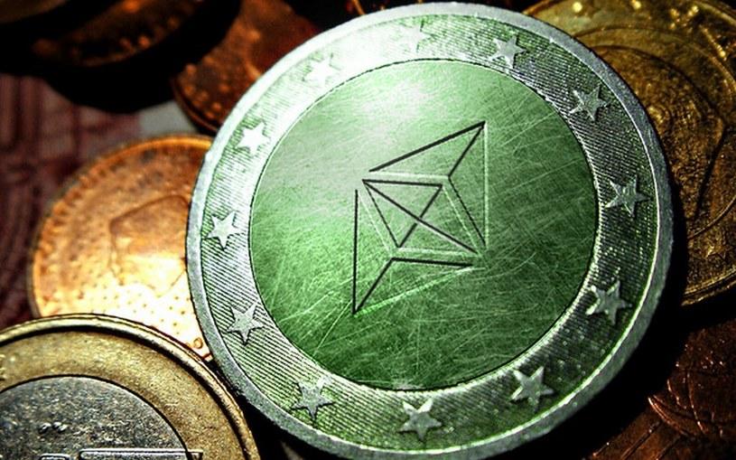 CoronaCoin oparty jest na blockchainie ethereum - zdecentralizowanej i rozproszonej bazie danych umożliwiającej obrót wirtualną walutą /Creative Commons Zero (CC0) /domena publiczna
