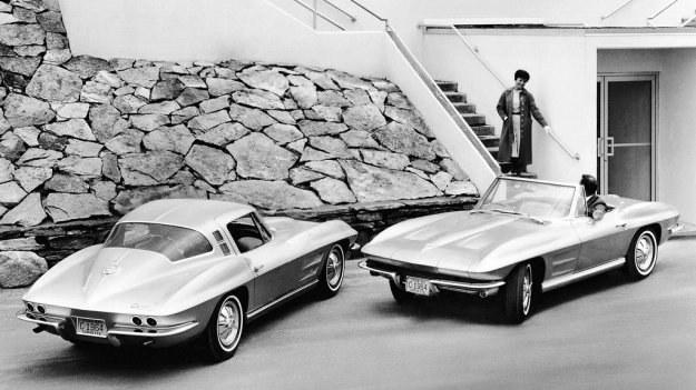 Corvette z rocznika 1964. Kształty nadwozia modelu dopracowano w tunelu aerodynamicznym. /Chevrolet