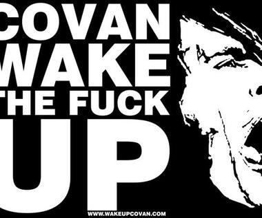 """""""Covan, obudź się"""": Pomagają potrzebującemu koledze"""