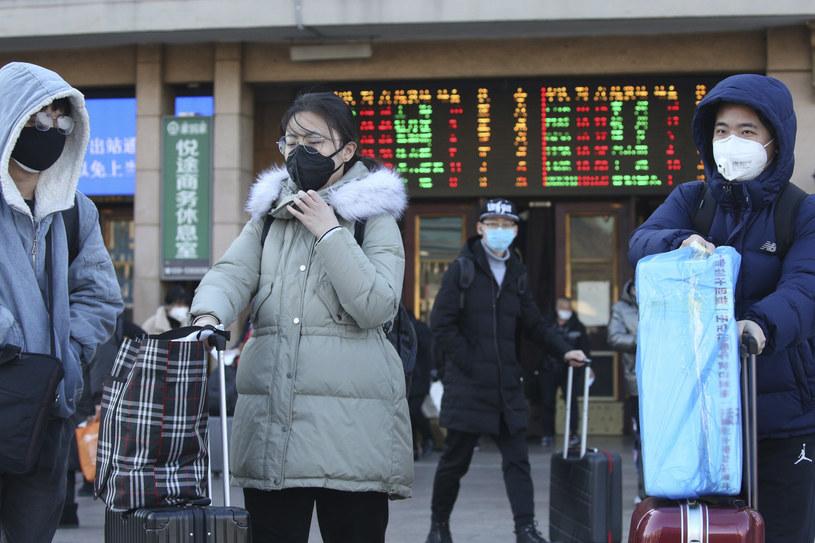COVID-19 to nie pierwsza epidemia, która dotknęła Azję. To tam zaczęły się SARS, ptasia oraz świńska grypa. /Yomiuri Shimbun/Associated Press /East News