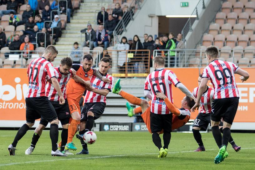 Cracovia prowadziła w Lubinie 2-0, by w ostatnich minutach dać sobie wbić dwia gole i zremisować 2-2 /Wojciech Tarchalski /Newspix