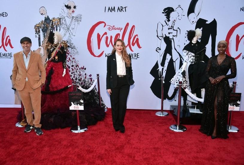 "Craig Gillespie, Emma Stone i Kirby Howell-Baptiste na premierze filmu ""Cruella"" w Los Angeles (18 maja 2021) /Alberto E. Rodriguez /Getty Images"