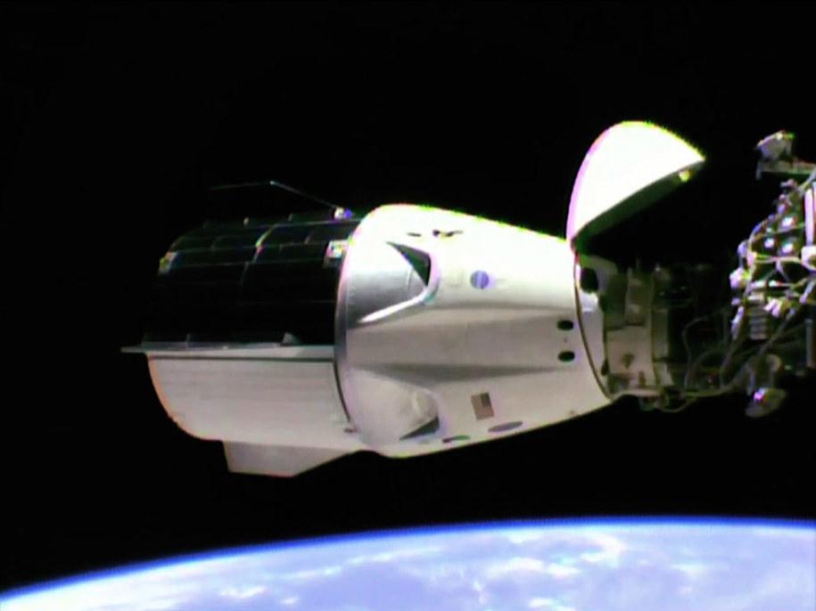 Crew Dragon przycumowany do ISS /NASA TV /Materiały prasowe