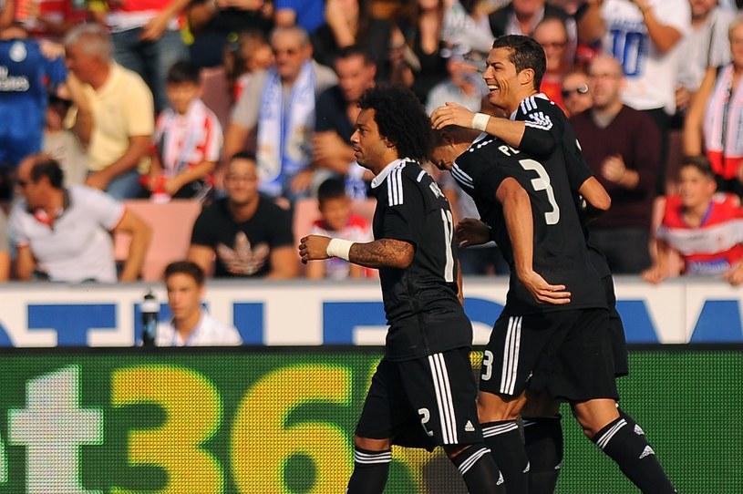 Cristiano Ronaldo cieszy się wraz z kolegami po zdobyciu bramki /AFP