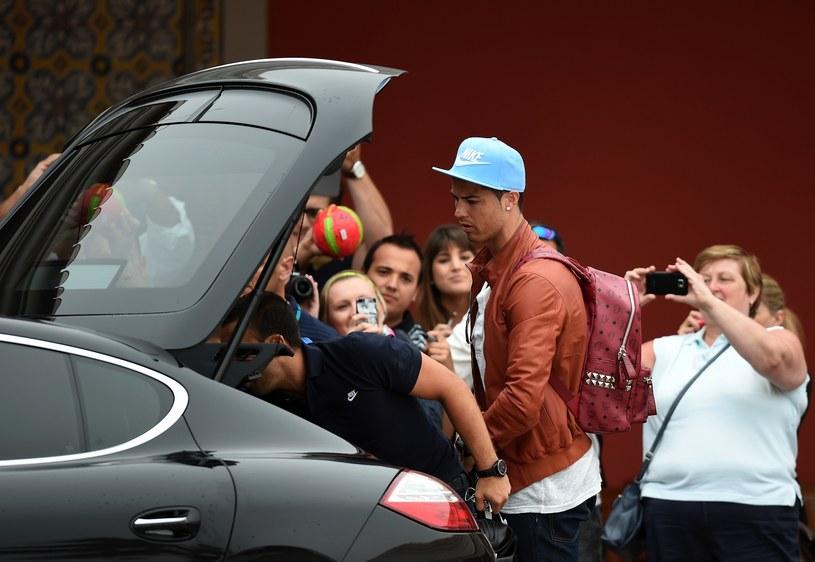 Cristiano Ronaldo dotarł na obóz reprezentacji kraju. /AFP