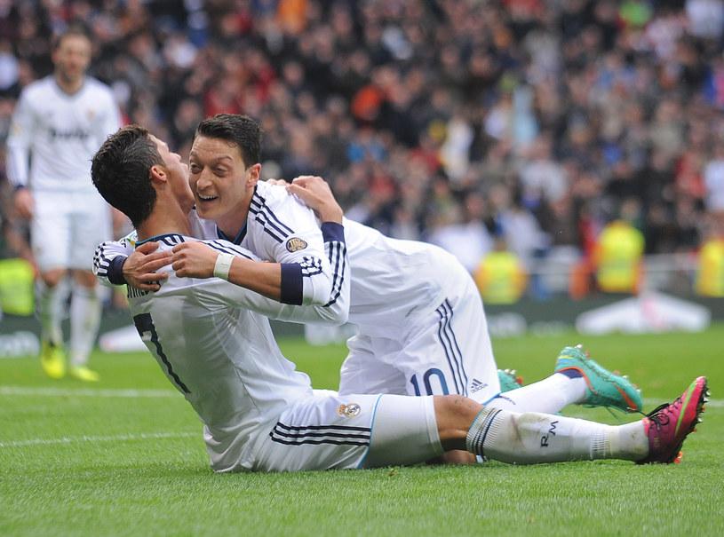 Cristiano Ronaldo i Mesut Oezil /Denis Doyle /Getty Images