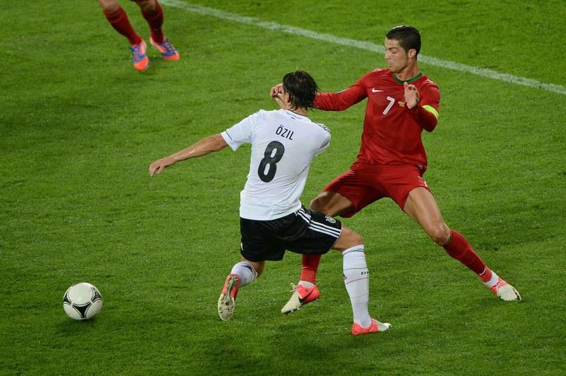 Cristiano Ronaldo i Mesut Oezil /AFP