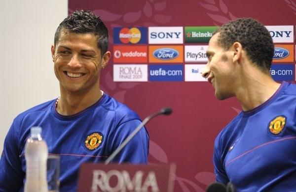 Cristiano Ronaldo i Rio Ferdinand /AFP
