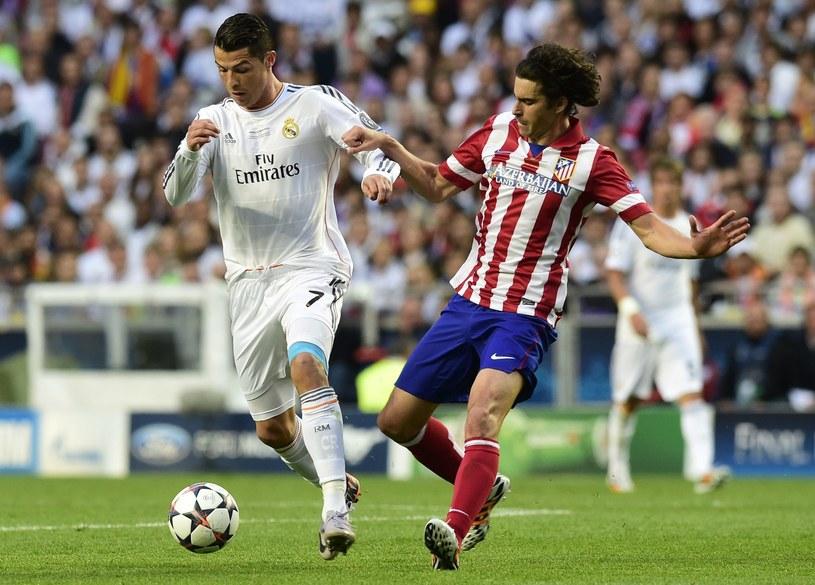 Cristiano Ronaldo i Tiago podczas finału Ligi Mistrzów /AFP