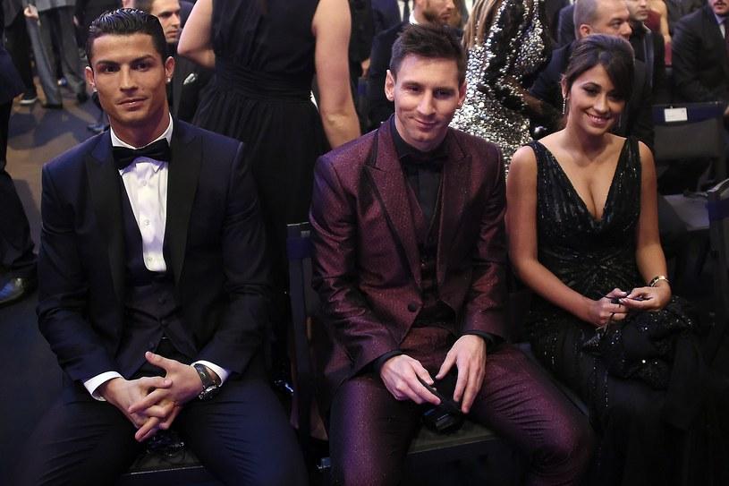 Cristiano Ronaldo, Lionel Messi i małżonka Argentyńczyka Antonella Roccuzzo /AFP