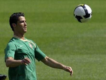 Cristiano Ronaldo na treningu kadry /AFP