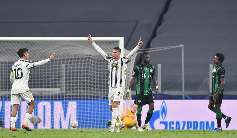 Cristiano Ronaldo, najlepszy strzelec w historii Ligi Mistrzów, powiększył swój dorobek w meczu z Ferencvarosem /ALESSANDRO DI MARCO  /PAP/EPA