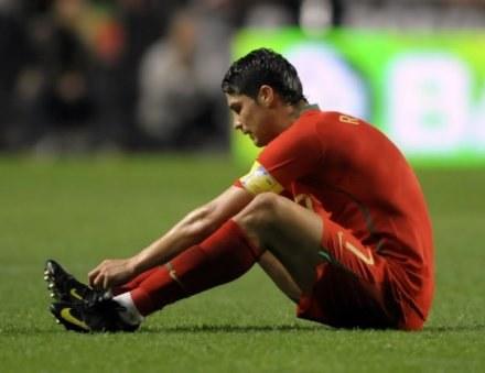 Cristiano Ronaldo przez klątwę ma wciąż borykać się z kontuzjami /AFP