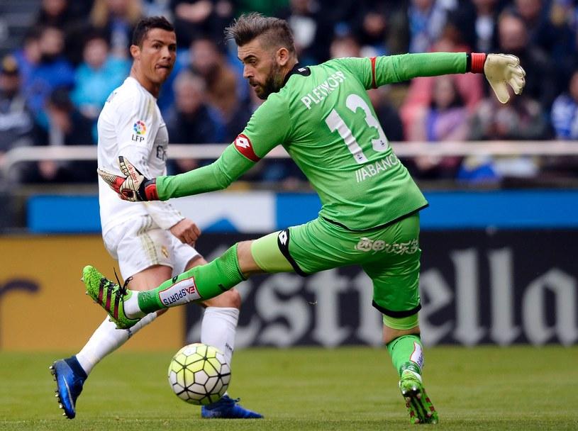 Cristiano Ronaldo strzelił dwie bramki, ale mógł zdobyć dwa razy więcej. Na El Riazor trafił w słupek oraz poprzeczkę /AFP