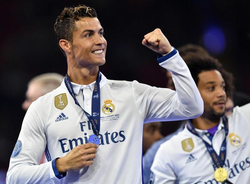 Cristiano Ronaldo świętujący zdobycie trofeum Ligi Mistrzów /DANIEL DAL ZENNARO (PAP/EPA) /PAP