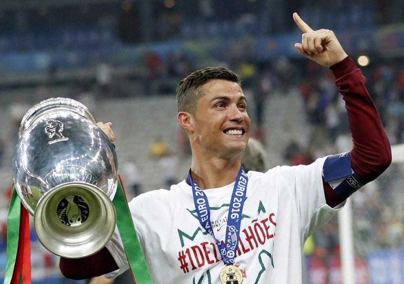 Cristiano Ronaldo świętuje mistrzostwo Europy /PAP/EPA
