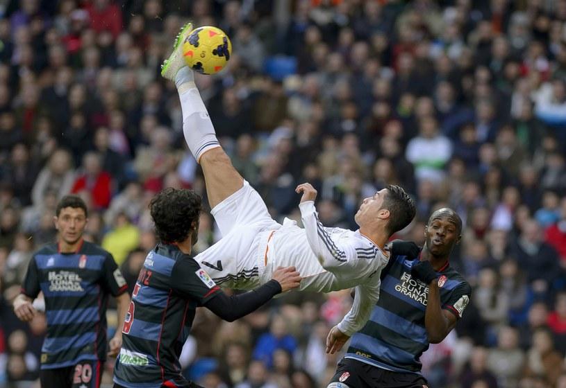 Cristiano Ronaldo w meczu z Granadą /AFP