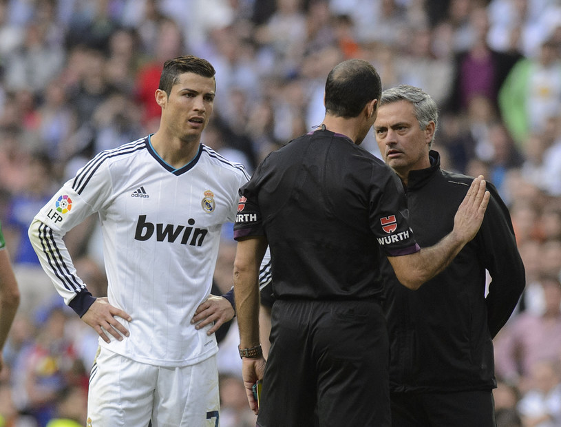 Cristiano Ronaldo (z lewej) i Jose Mourinho /AFP