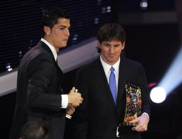 Cristiano Ronaldo (z lewej) i Lionel Messi /AFP