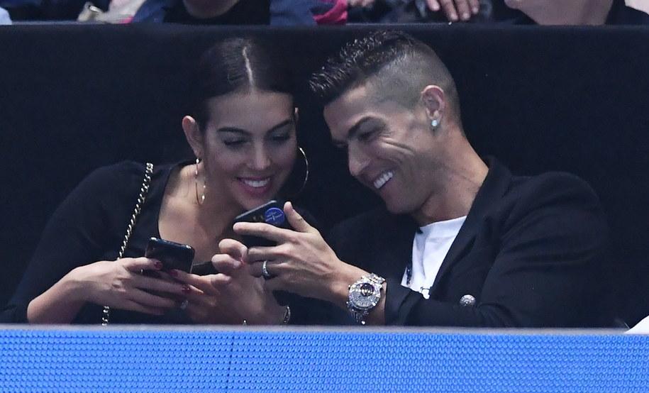 Cristiano Ronaldo z partnerką na widowni podczas turnieju tenisowego ATP Finals w Londynie /FACUNDO ARRIZABALAGA /PAP/EPA