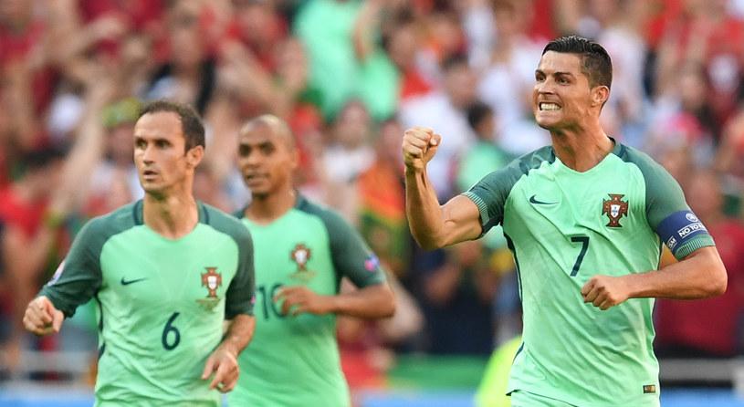 Cristiano Ronaldo (z prawej) /AFP