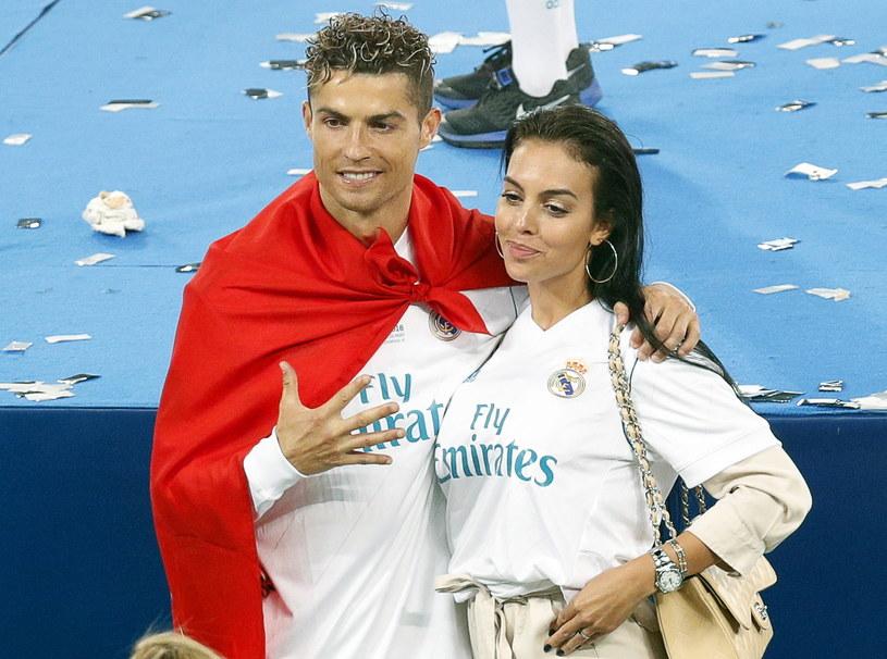 Cristiano Ronaldo ze swoją dziewczyną Georginą Rodriguez /PAP/EPA