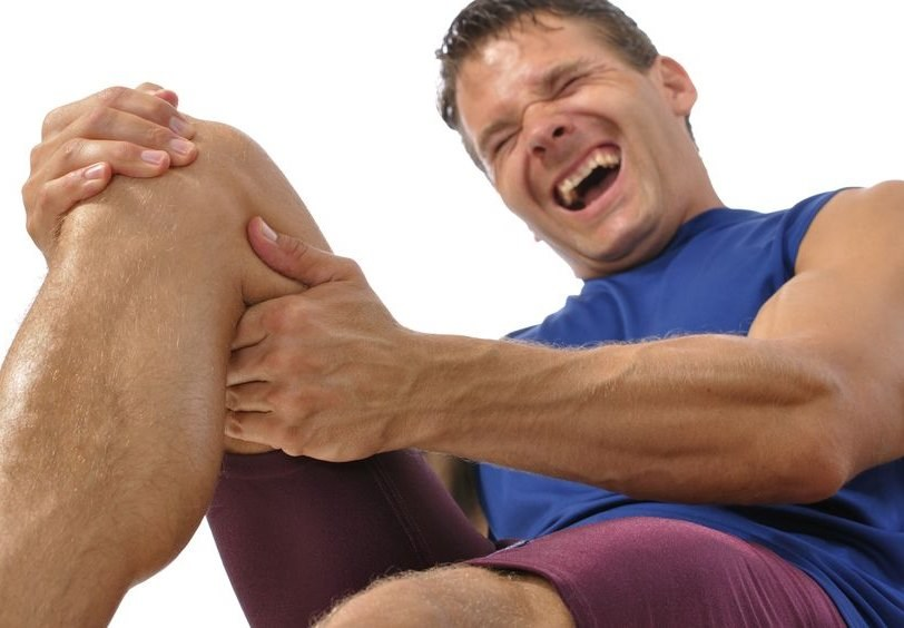 CrossFit potrafi być kontuzjogenny. Obciążenia należy dobierać z głową /123RF/PICSEL