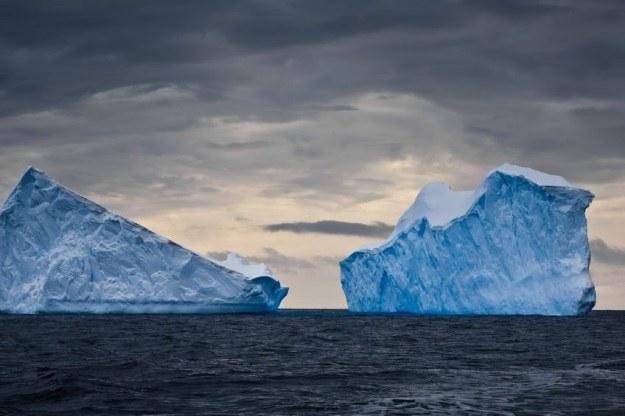 Cryosat-2 zaobserwował ślady po powodzi pod lodami Antarktydy /123RF/PICSEL
