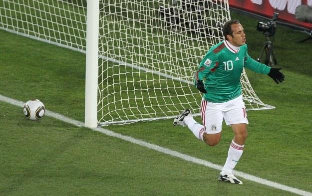 Cuahtemoc Blanco kilka chwil po strzeleniu gola Francji z rzutu karnego /AFP