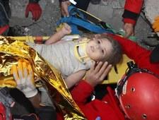 Cud w Izmirze. 4-latka wyciągnięta spod gruzów po czterech dniach