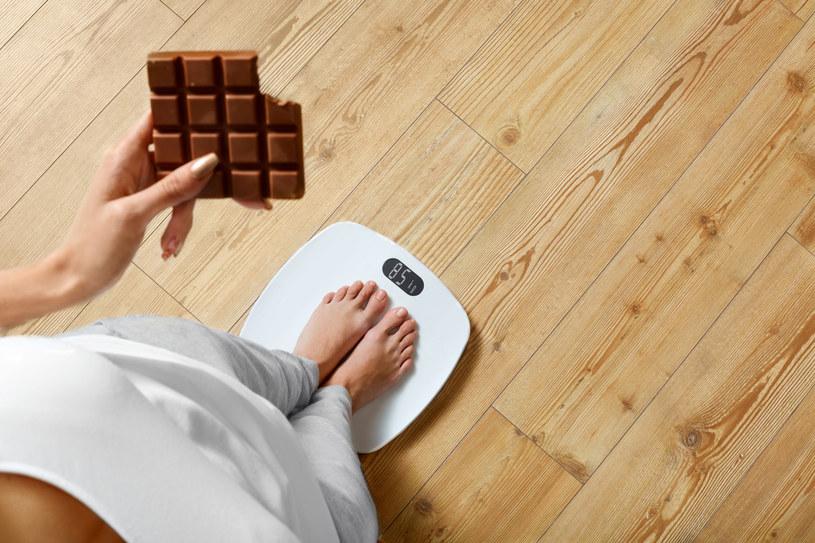 Cukier bardziej wpływa na nadwagę niż tłuszcz /123RF/PICSEL