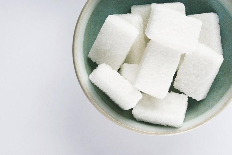 Cukier do dosłodzenia /© Photogenica