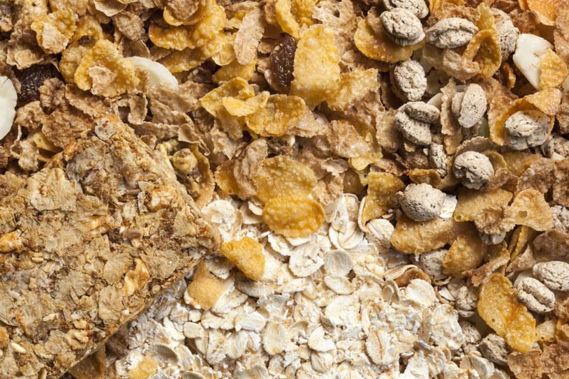 Cukier dodawany jest także do produktów powszechnie uważanych za zdrowe /123RF/PICSEL