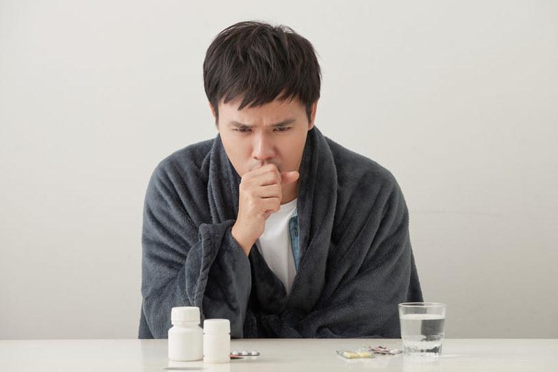 Cukier drastycznie osłabia odporność organizmu i powoduje częste infekcje /123RF/PICSEL