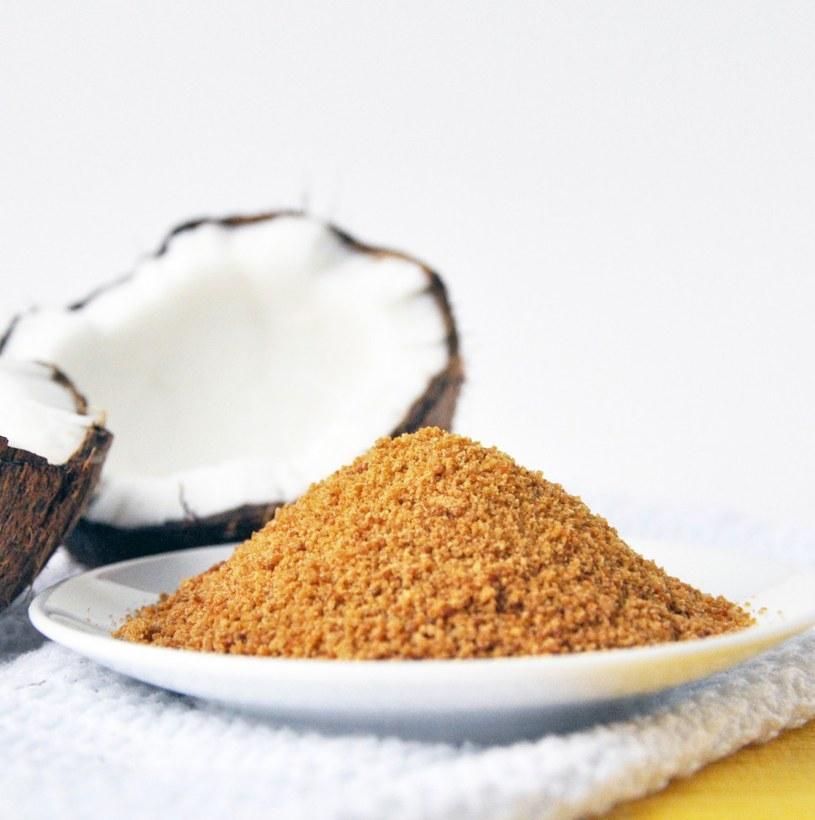 Cukier kokosowy zamiennik cukru /© Photogenica