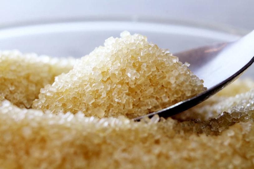 Cukier powoduje stany zapalne w organizmie /123RF/PICSEL