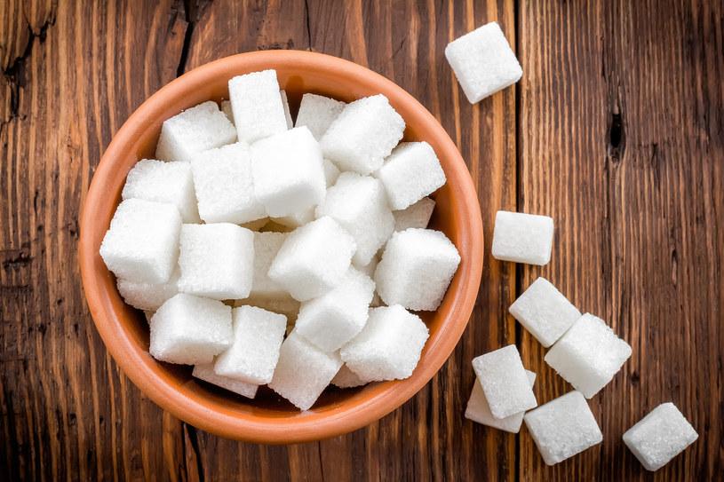 Cukier uzależnia bardzo silnie. Według najnowszych doniesień aż 8 razy mocniej niż kokaina /123RF/PICSEL